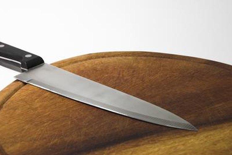 El vinagre puede usarse para desinfectar la tabla de cortar.