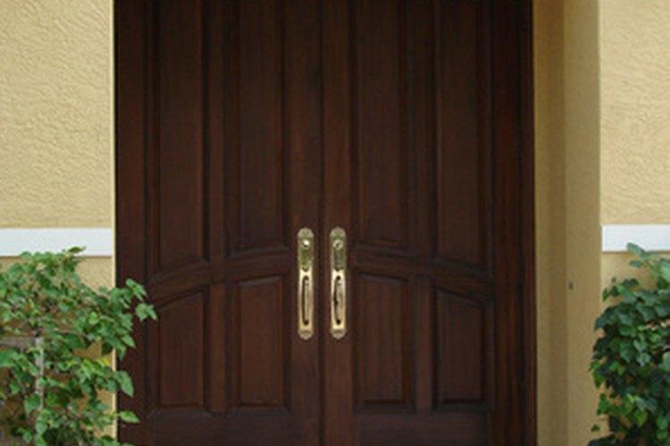 Las puertas son la presentación de tu hogar, así que consérvalas hermosas realizando un mantenimiento.