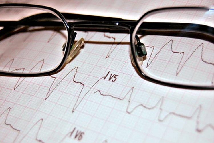 La prueba ACLS enfatiza los trazados del corazón.