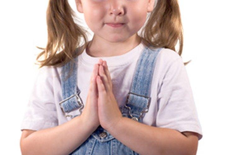 Un bolsillo de oraciones puede ayudar a los niños a que recuerden a sus seres queridos en sus oraciones.