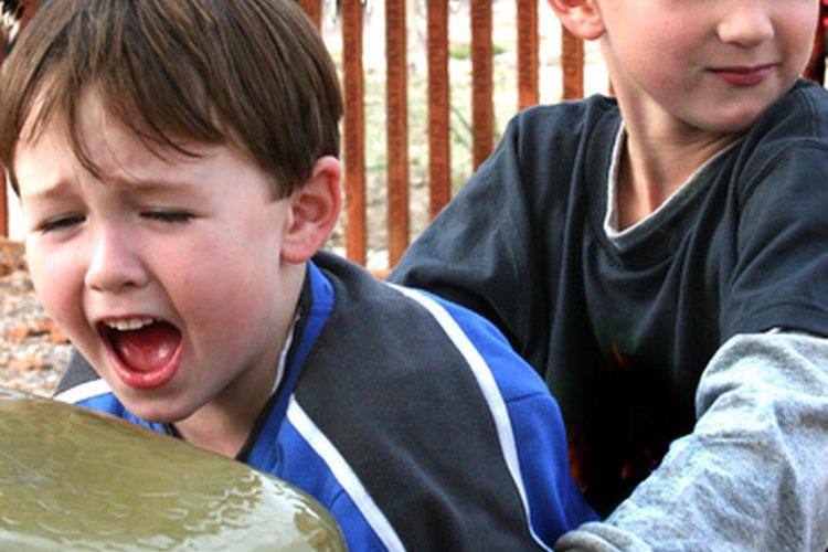 Aprender a ignorar el comportamiento negativo puede ayudar a los niños en muchas situaciones.