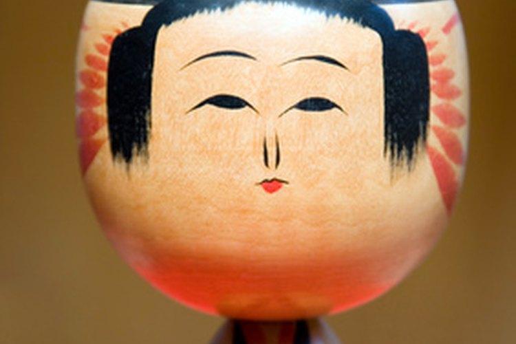 Usa la artesanía para ayudar a los niños a expandir su conciencia cultural.