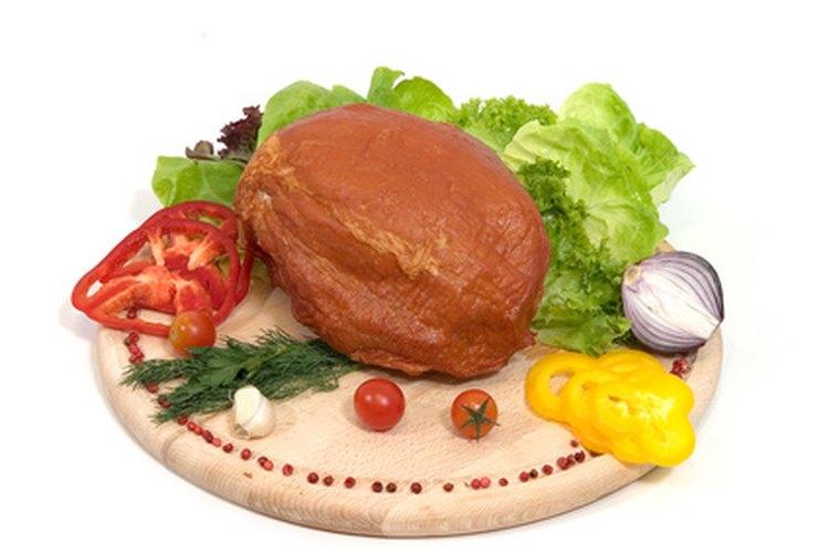 Las carnes ahumadas deben calentarse antes de servirse.