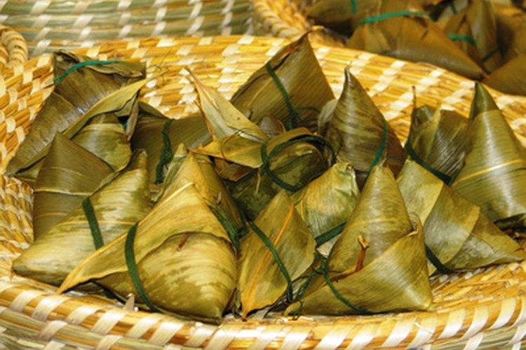 Los yongzi son pirámides de arroz pegajoso.
