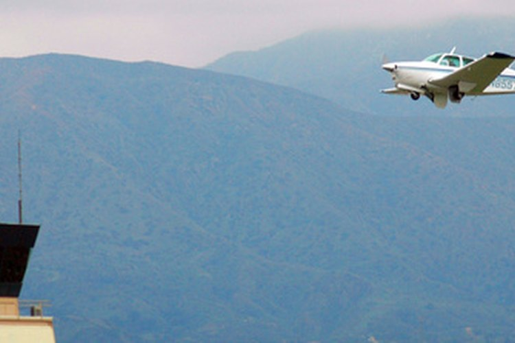 Las cartas Jepp ofrecen a los pilotos información sobre el aterrizaje y despegue cuando se aproximan a los aeropuertos.