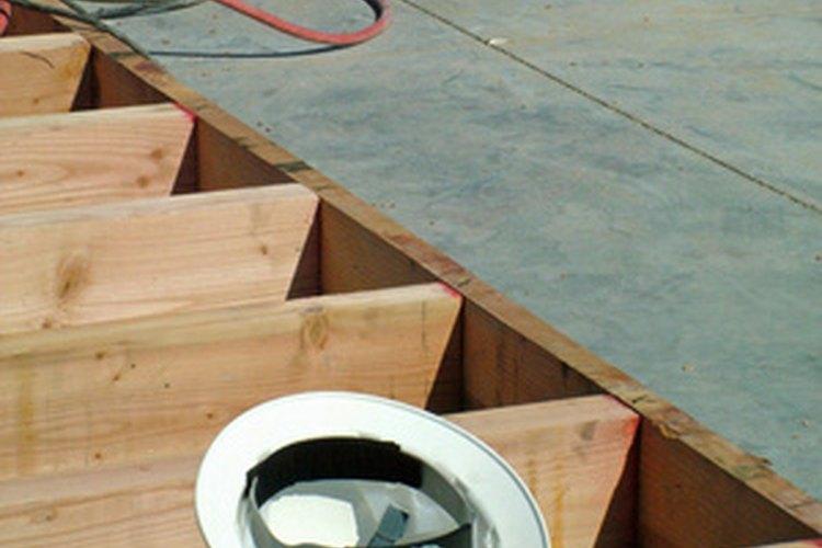 Los supervisores de seguridad son responsables por obtener el equipamiento de seguridad necesario.