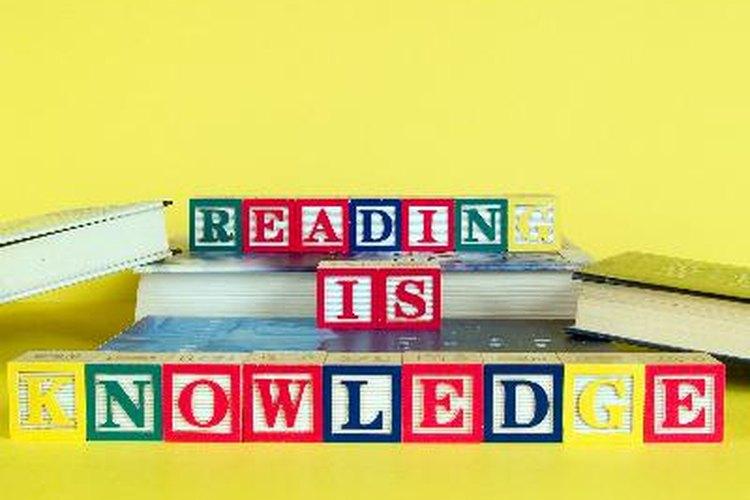 Construye las habilidades de alfabertización de tu hijo a través de las actividades diarias.