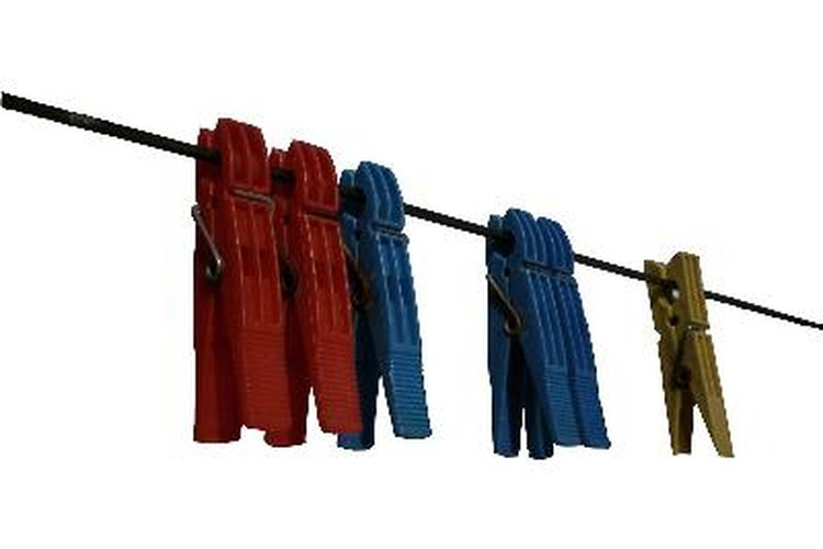Es mejor secar la ropa manchada con aceite al aire libre que en la secadora.