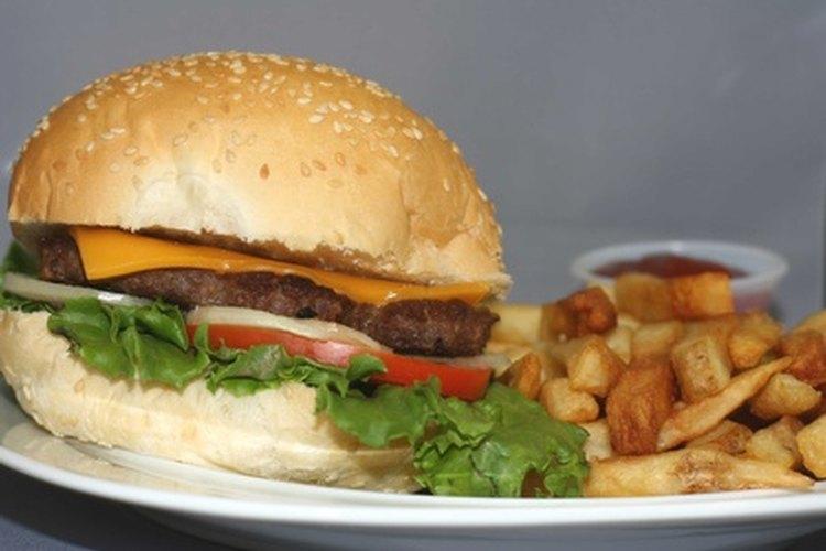 Haz que los estudiantes consideren las ventajas y desventajas de la comida rápida.