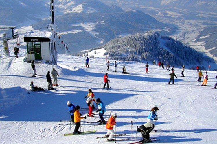 Los niños deben tener unas botas de esquí con un buen encaje para esquiar cómodamente.
