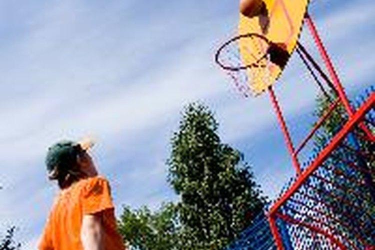 Permanecer activo puede ayudar a los niños con Artritis juvenil idiopática a mantener sus articulaciones flexibles.