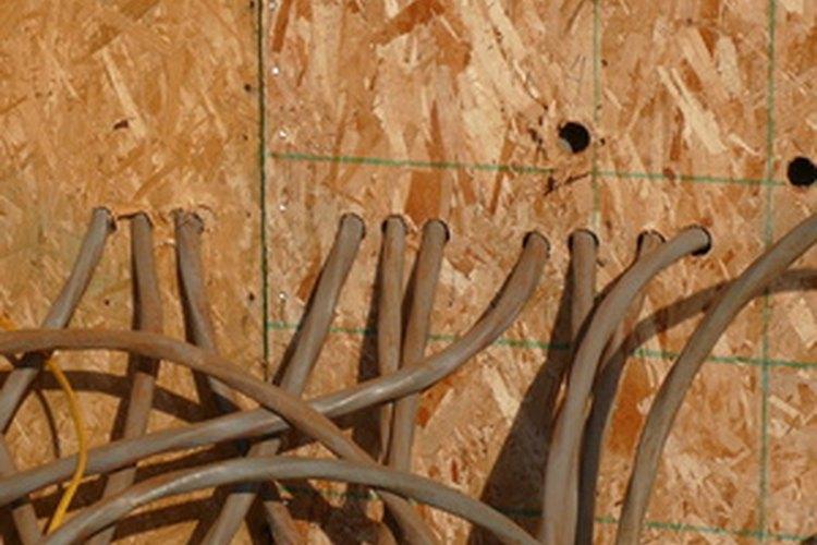El calibre del cable determina los amperios que pueden fluir a través de él.