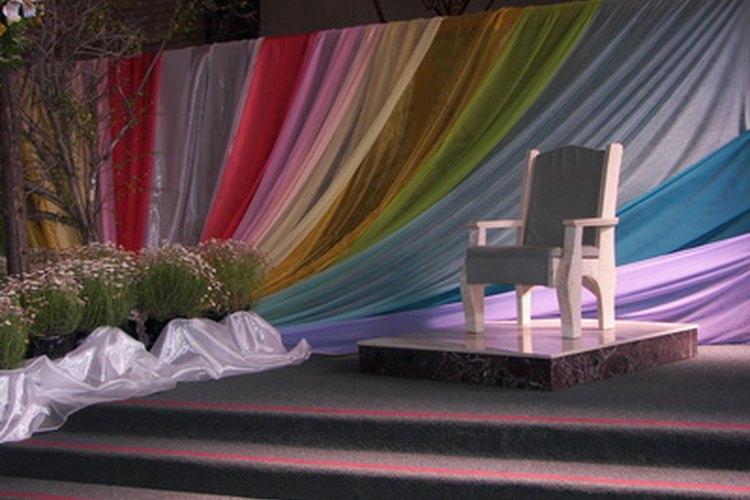 Las sillas vienen en diferentes formas, tamaños y colores.