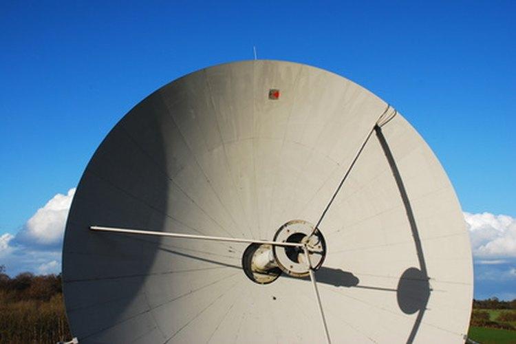 Las LNB y LNBF son partes integrales de los sistemas de antenas parabólicas.