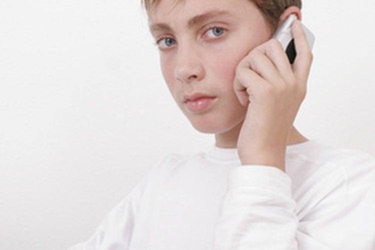 ¿Pasa más tiempo de lo normal al teléfono?
