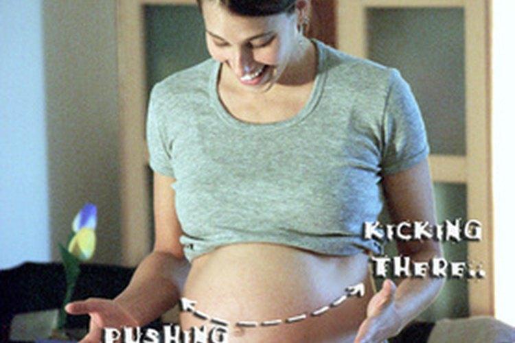 ¿Qué causa el hipo fetal?