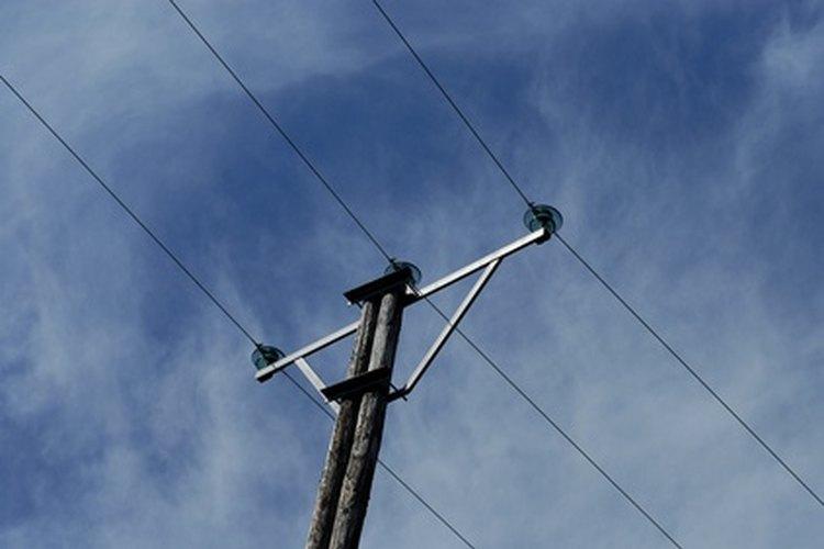 Las caídas y picos transitorios se producen a menudo en las líneas de energía de CA.
