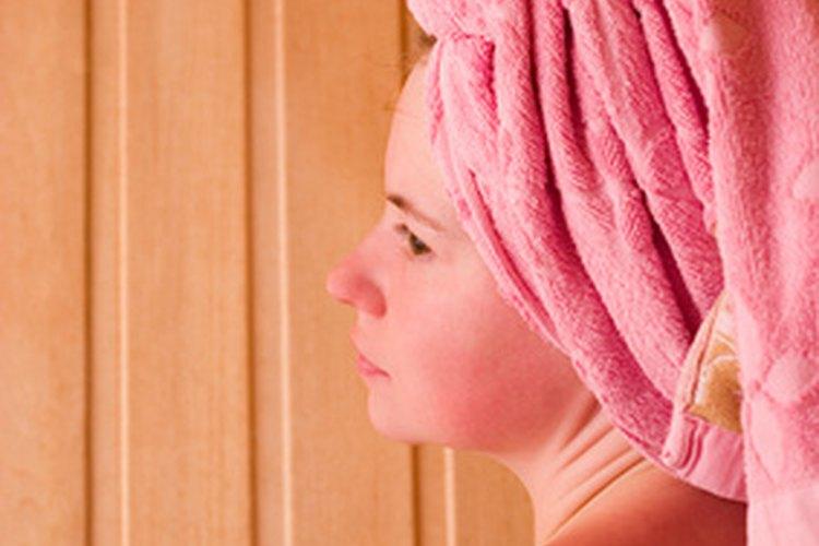 Un sauna puede agregar elegancia relajante a cualquier hogar.