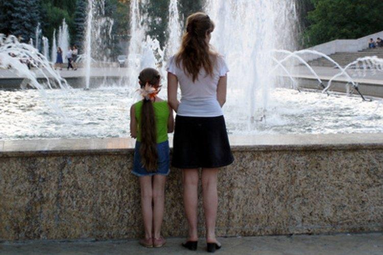 La adopción se está volviendo más fácil para las mujeres solteras, pero aún se enfrentan con retos.