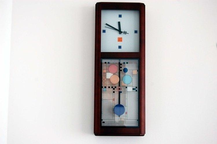 Las agujas del reloj necesitan reemplazo ocasional para actualizar una cara o para reemplazar agujas oxidadas.