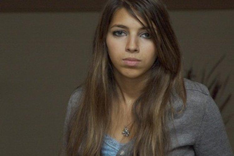 Un adolescente puede deprimirse debido al estrés de la mudanza.