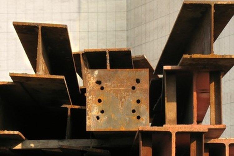 El titanio ofrece la fuerza del acero a casi la mitad de su peso.
