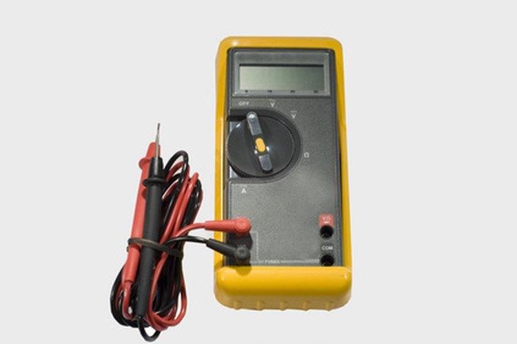 Un amperímetro, el dispositivo utilizado por los electricistas para medir la corriente eléctrica.
