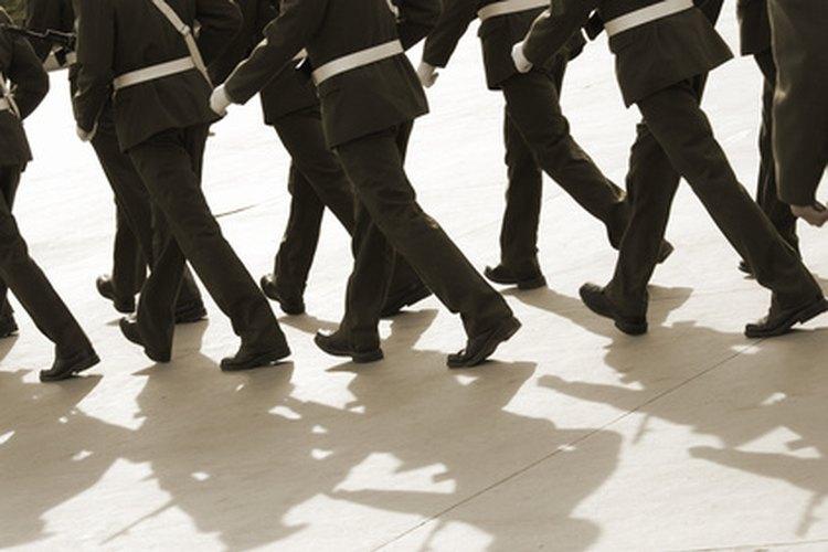 Alínea a tu hijo adolescente con la disciplina militar.