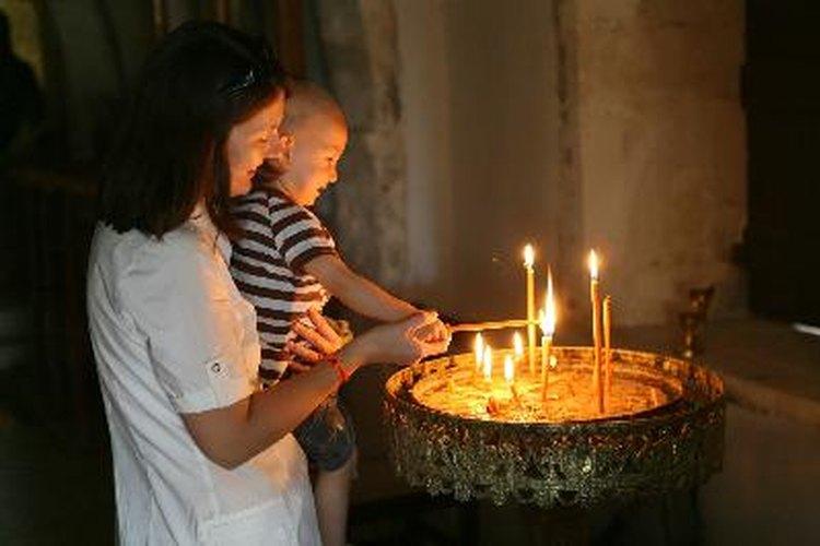 Los niños pueden ser incluidos en las prácticas espirituales que son importantes para sus padres.