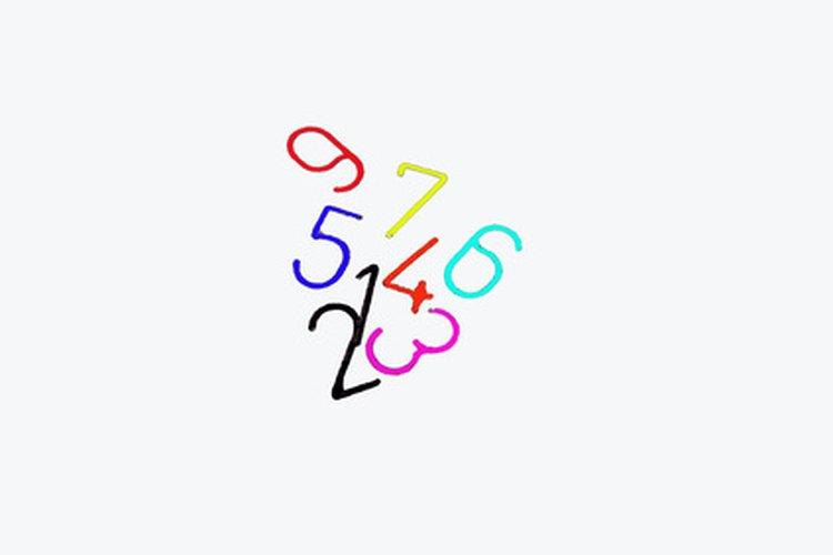 Utiliza tarjetas de colores o escribe los números en diferentes colores.