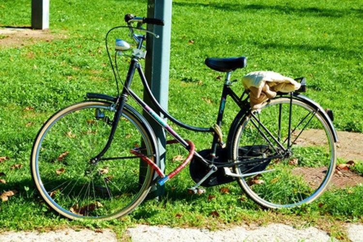 Una bicicleta es una máquina compuesta con muchos tornillos.