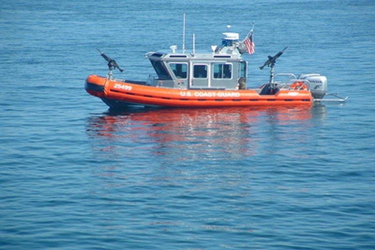 Las patrullas de los Guarda Costas en mar adentro en Florida.
