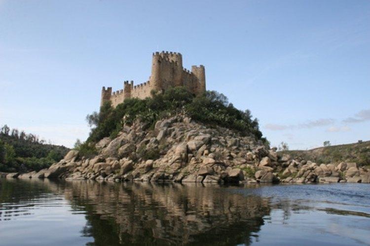 Incorpora los elementos de diseño de un castillo, como las torrecillas al diseño de tu hogar.