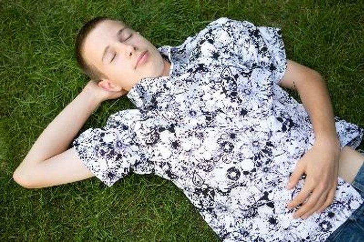 Alienta a tu adolescente a tener una buena noche de sueño para que esté listo la mañana siguiente.