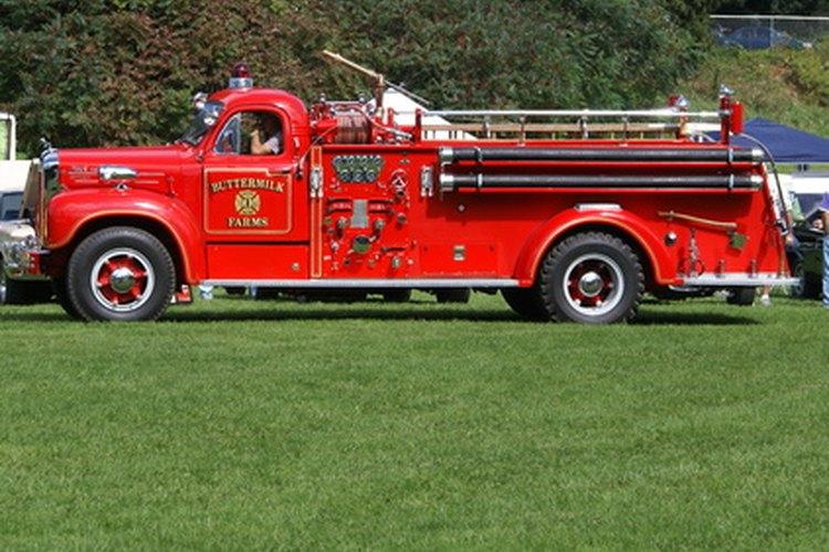 La NFPA 1901 describe las normas reglamentarias que deben cumplirse para aparatos de extinción de incendios.