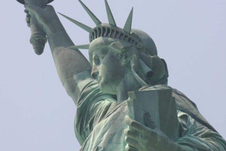 Los Estados Unidos se construyeron con base a la inmigración.