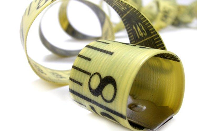 Sostén la cinta de manera floja cuando tomes las medidas corporales.