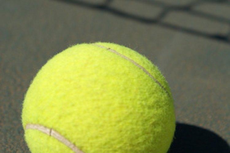 Los ingenieros en deportes utilizan la tecnología para mejorar la precisión de las pelotas de tenis y otros equipos.