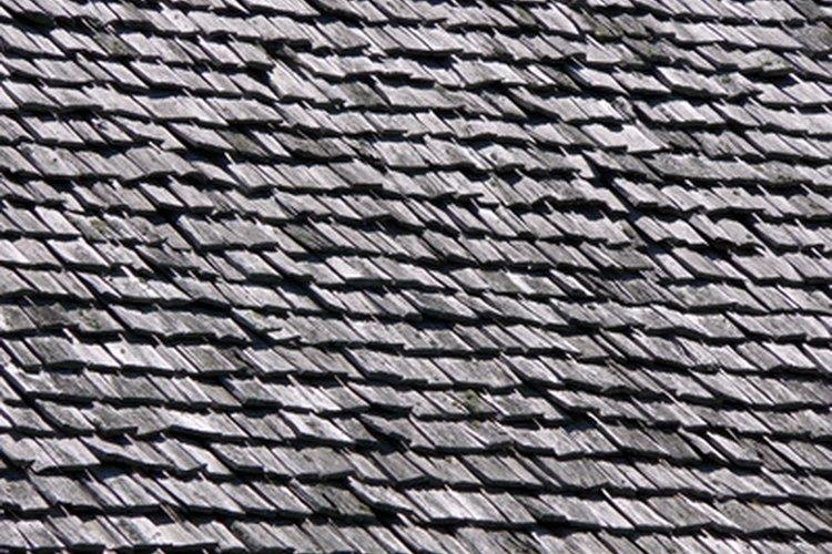 Las tejas de madera cubren las casas históricas.