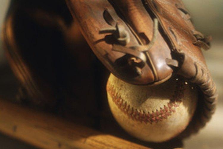 Un artículo deportivo autografiado puede ser un regalo de cumpleaños inolvidable.
