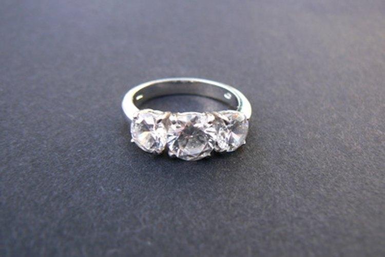 Averigua el tamaño de su anillo sin arruinar la sorpresa.