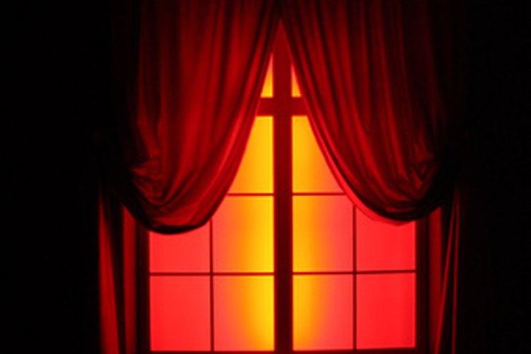 Las cortinas con revestimiento te protegen del sol.