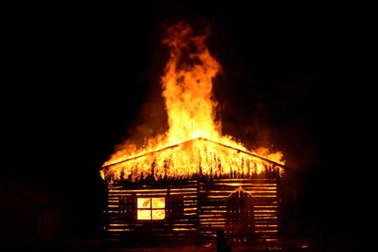 Debe haber extintores en cada hogar para ayudar a prevenir desastres.