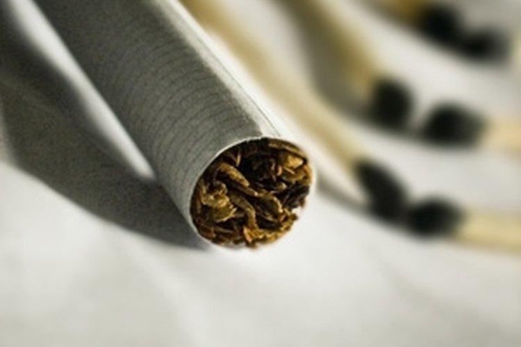 La FDA regula la industria del tabaco.