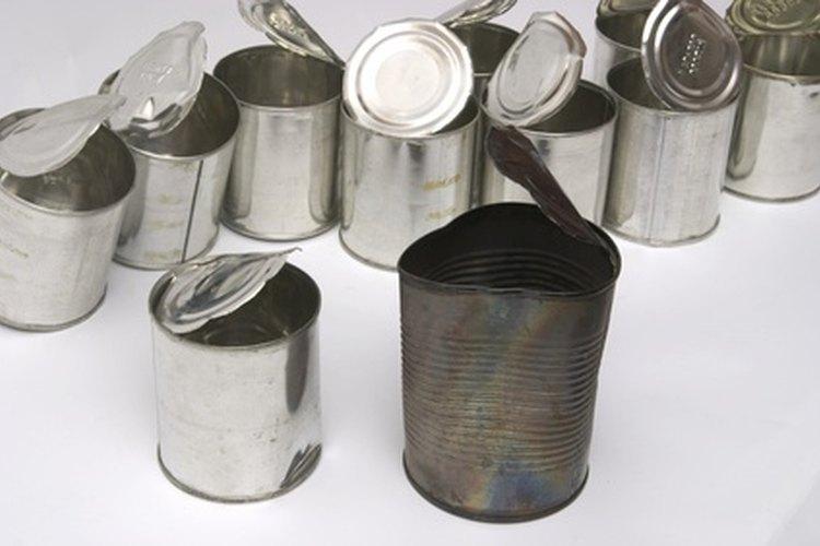 El metal reciclado puede convertirse en latas.