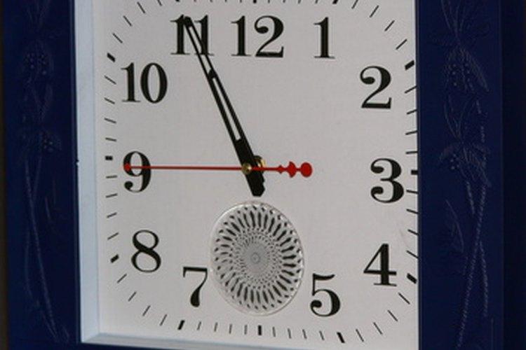 Un reloj puede dar ayuda visual a los estudiantes más pequeños.