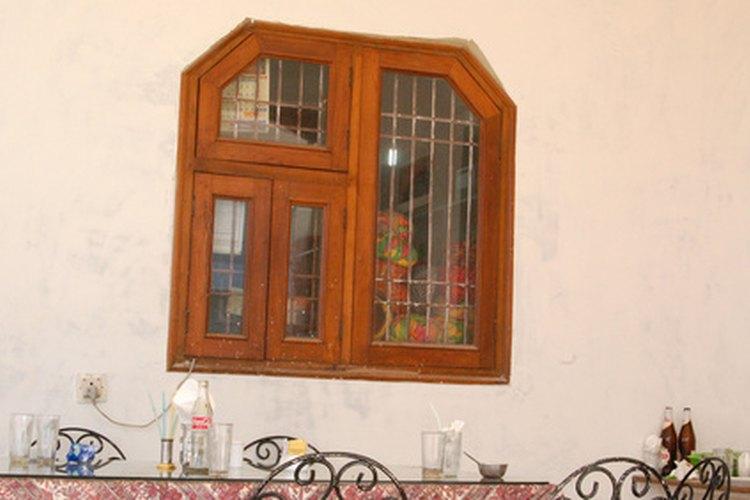 Repara las vibraciones ruidosas de las ventanas.