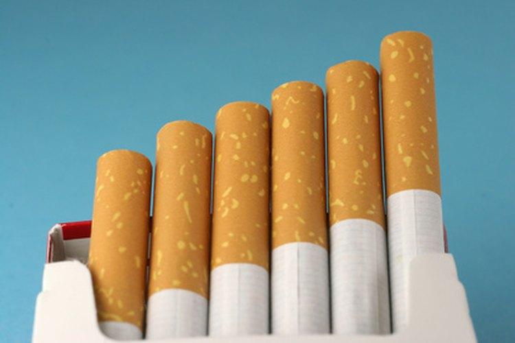 Algunas personas argumentan que la prohibición de fumar tiene impactos económicos adversos.