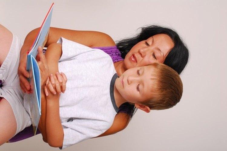 Leer con tu hijo mejora su velocidad y comprensión de lectura.