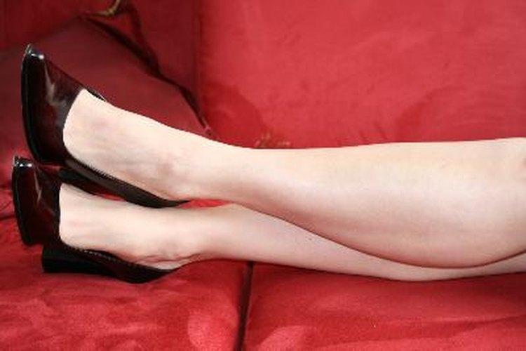 Pruébate varios tipos de zapatos y observa el efecto que tienen sobre tu conjunto.